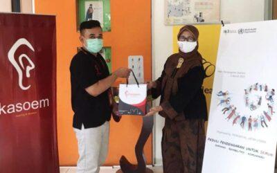 Kasoem Hearing Donasi Alat Bantu Dengar ke Masyarakat Tidak Mampu